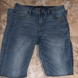 Light wash high rise Hollister jeans